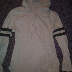 BOGO🖤❄flattering thin hoodie shirt